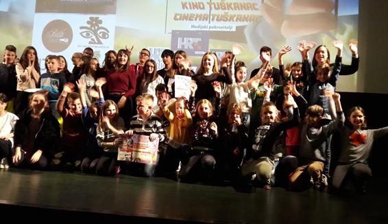 """Učenici 3.d osvojili su prvu nagradu za film """"Poštujem sebe i druge u medijima"""""""