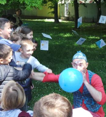 Naši Mali kritičari, učenici 4.e razreda bili su na otvaranju 12.festivala dječje knjige
