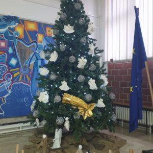 Božićna priredba i humanitarna izložba učeničkih radova