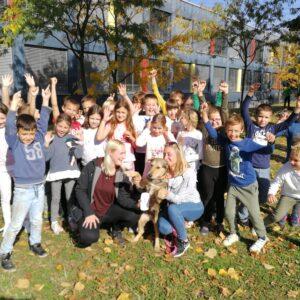 Učenici 2.a prikupili dekice za Sklonište životinja Velika Gorica