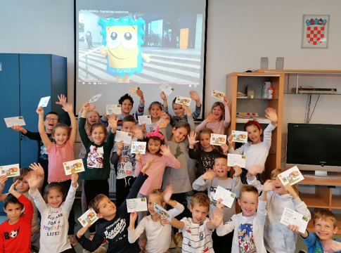 Učenici 1. c obilježili Svjetski dan razglednice i Svjetski dan pošte