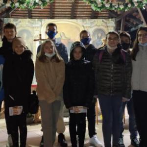 Naša Vjeronaučna skupina na hodočašću od Osnovne škole Tituša Brezovačkog do crkve Uznesenja Blažene Djevice Marije